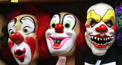 clowns-masques-620x458